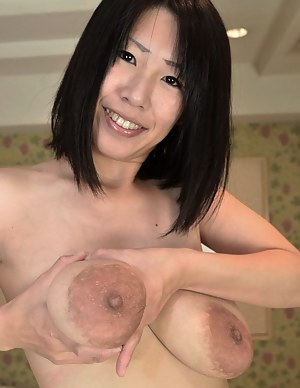 MILF Nipples Porn Pictures