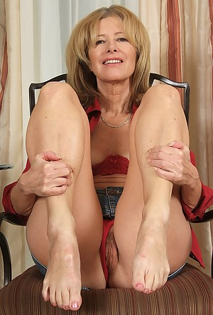 Homemade mils in shorts pussy pitchers photos 59