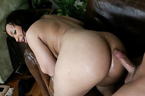 Black MILF Ass Porn Pictures